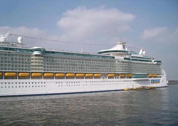 صورة اضخم سفينة في العالم , معلومات عن اكبر سفينة بالعالم 1203 2