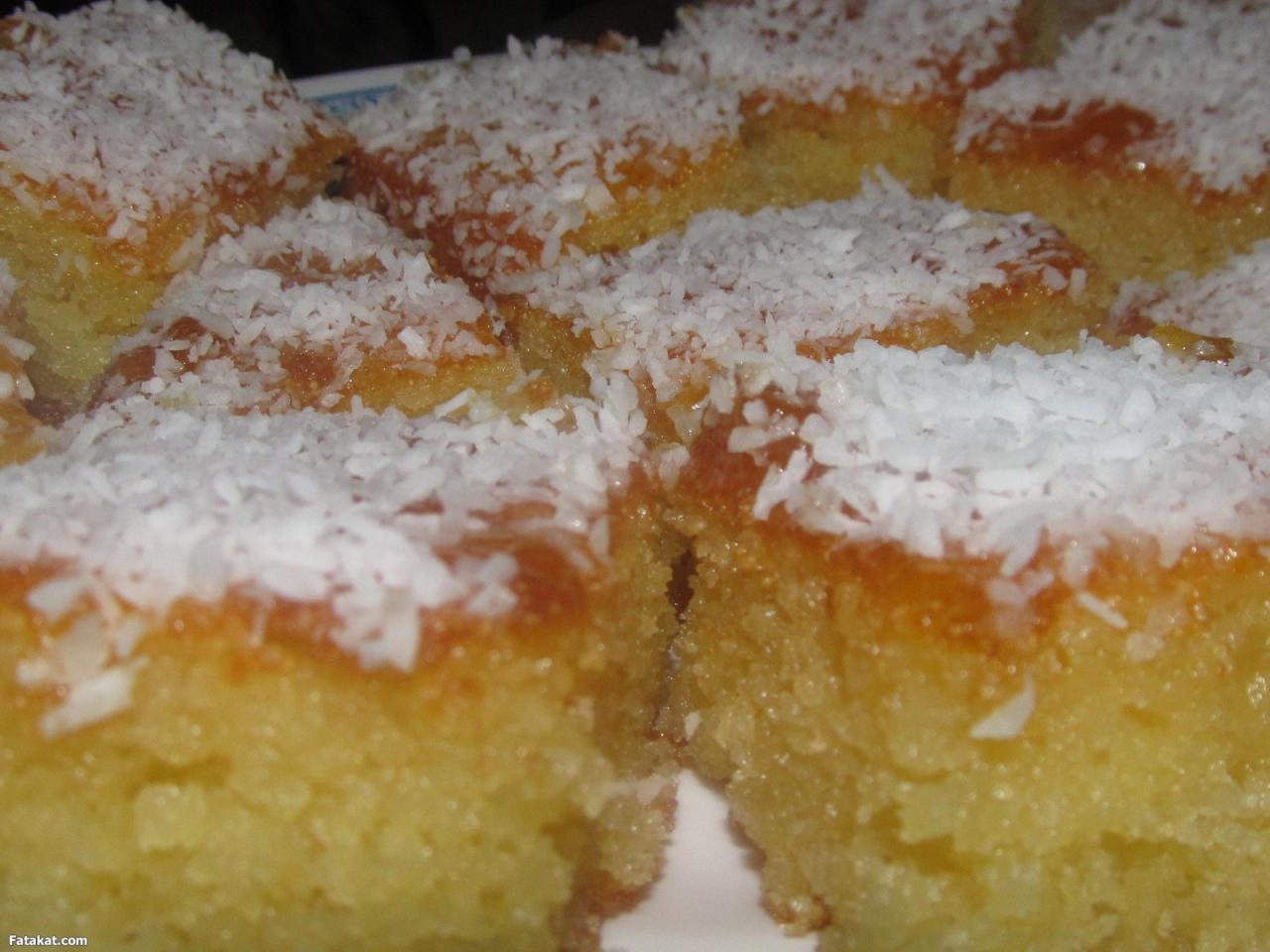 صوره كيكة البسبوسة سهلة , طريقة تحضير الكيكة بالبسبوسة