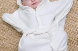صورة اجمل ملابس الاطفال حديثي الولادة , افضل ملبس للطفل جديد 2019