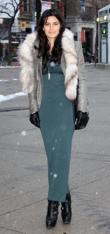 صورة فساتين شتوية جميلة , ازياء الشتاء الرائعة , تصميمات عصرية للفساتين 2020