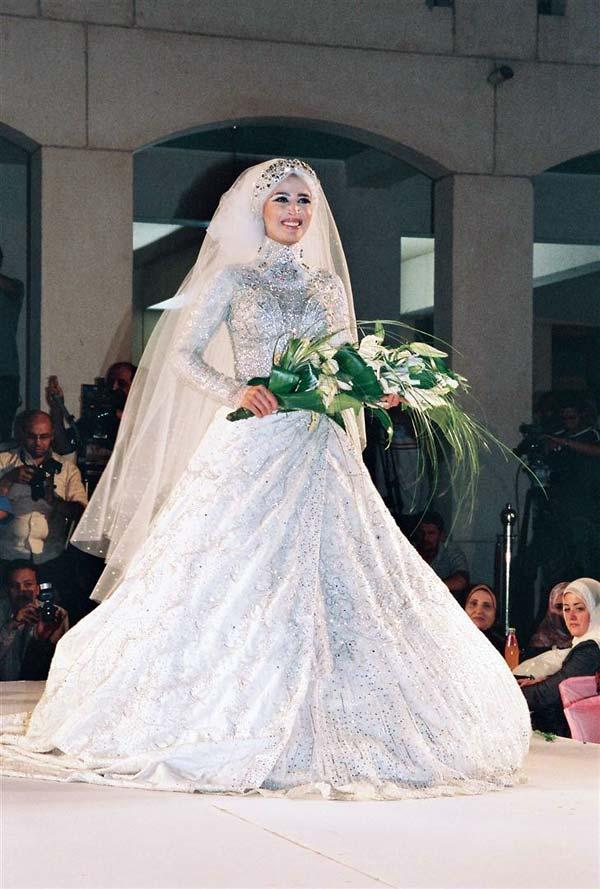 صوره فساتين زفاف للمحجبات مودرن 2019 , فستان العروس المحجبه , ارقى موديلات العرائس للمحجبات